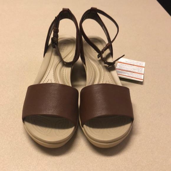 63da011f9868 Crocs- Leighann ankle strap wedge in hazelnut